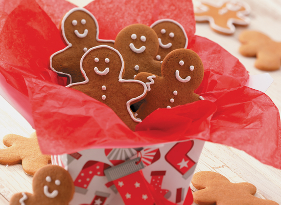 "<strong>Get the <a href=""http://www.huffingtonpost.com/2011/10/27/gingerbread-men_n_1061430.html"">Gingerbread Men recipe</a><"