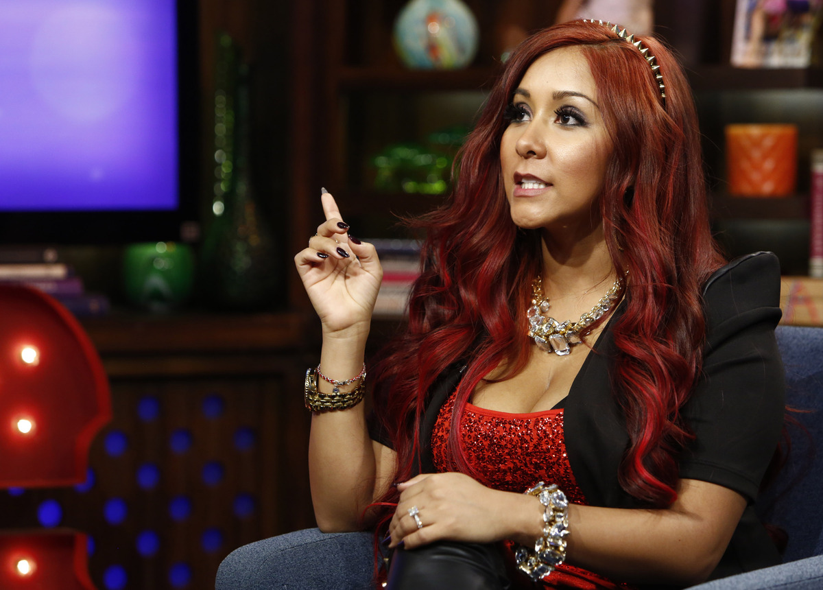 """Snooki admitted on """"Conan"""" that she uses clean cat litter to exfoliate her skin. """"Yeah, well, I definitely, um, like to Googl"""