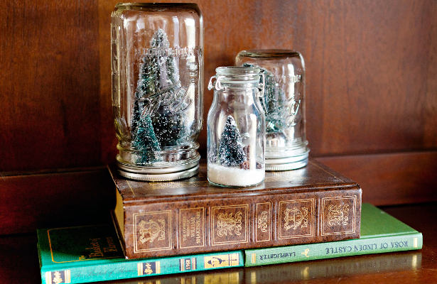 """Photographer <a href=""""http://arielleelise.com/"""">Arielle Royer</a> discovered a lovely set of Mason jar snow globes at one of"""