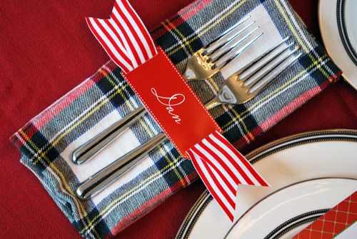 """These <a href=""""http://www.thepartydress.net/?p=10542&preview=true"""">festive table accessories</a> include matching menu cards,"""
