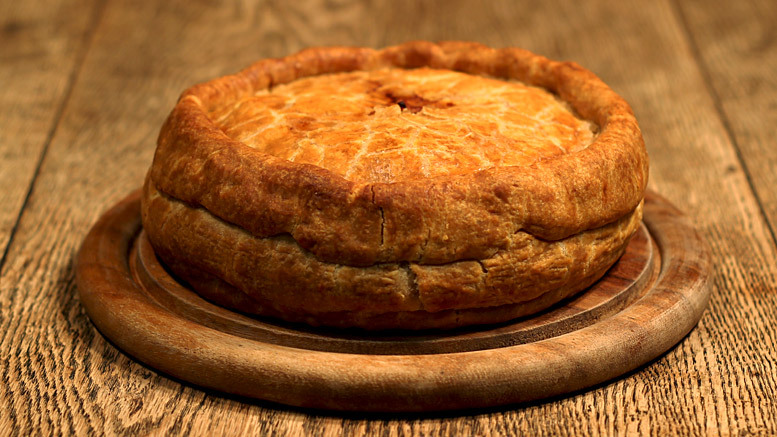"<strong>Get the <a href=""http://recipewise.co.uk/melton-mowbray-pork-pie"">Melton Mowbray Pork Pie recipe from Recipe Wise</a>"