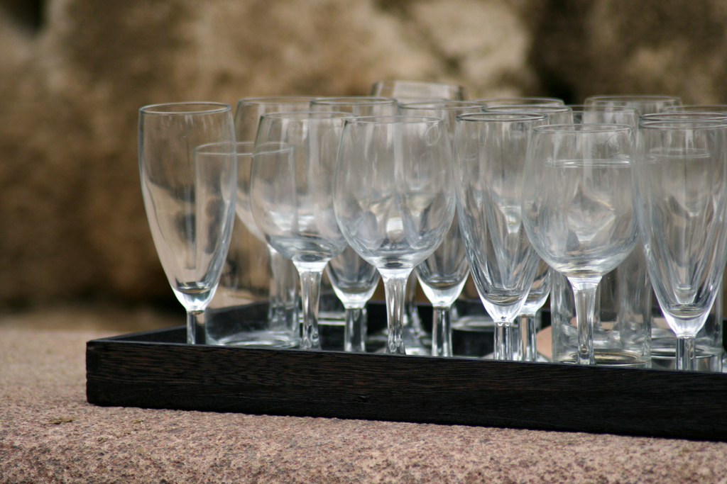 You can't have your guests drinking out of dirty glasses, can you? Of course not!   <strong>If your glassware has:</strong>