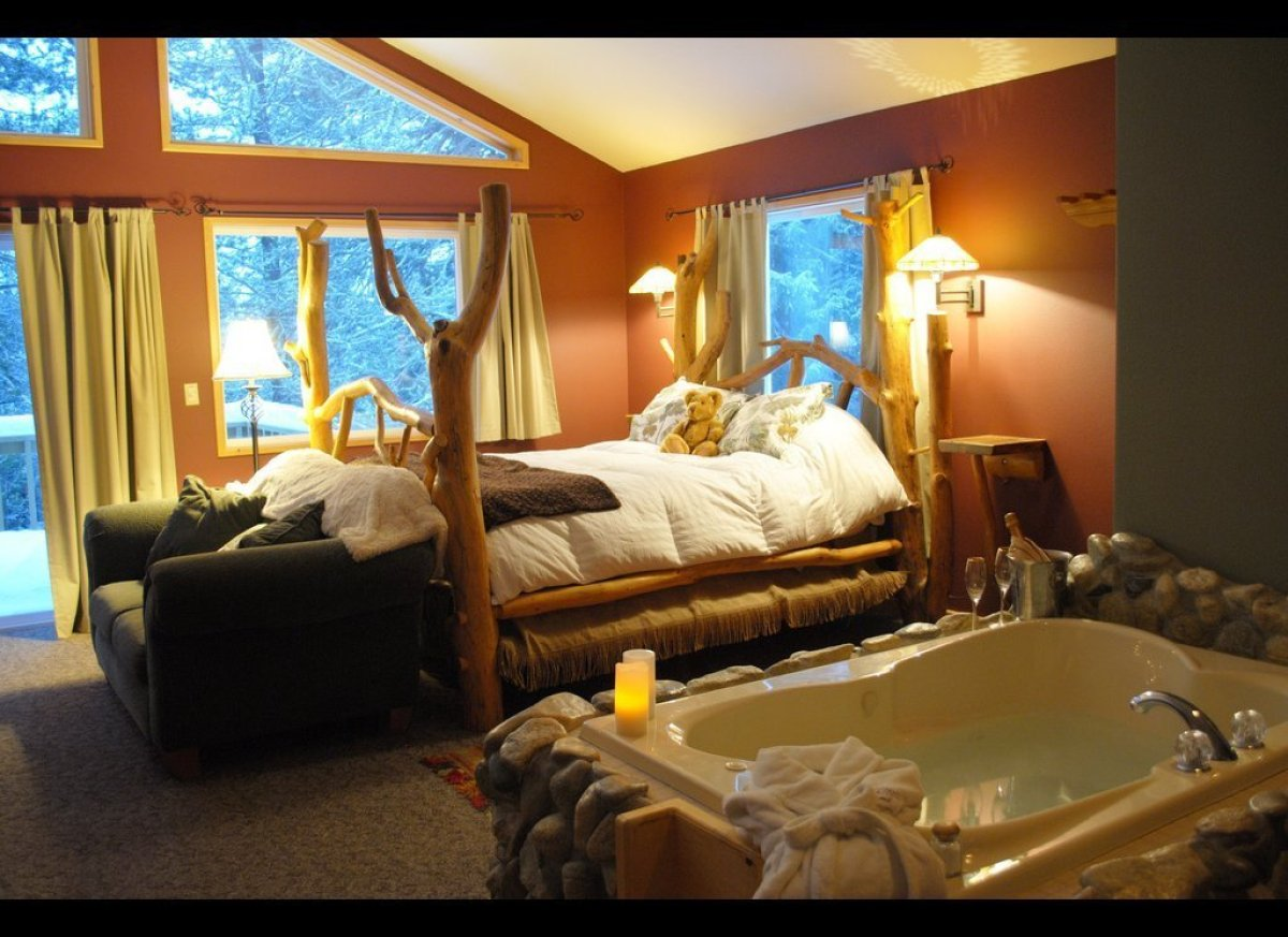 """<a href=""""http://prranch.com"""" target=""""_hplink""""><strong>Pine River Ranch</strong></a><br><strong>""""The Best Place to Kiss in the"""
