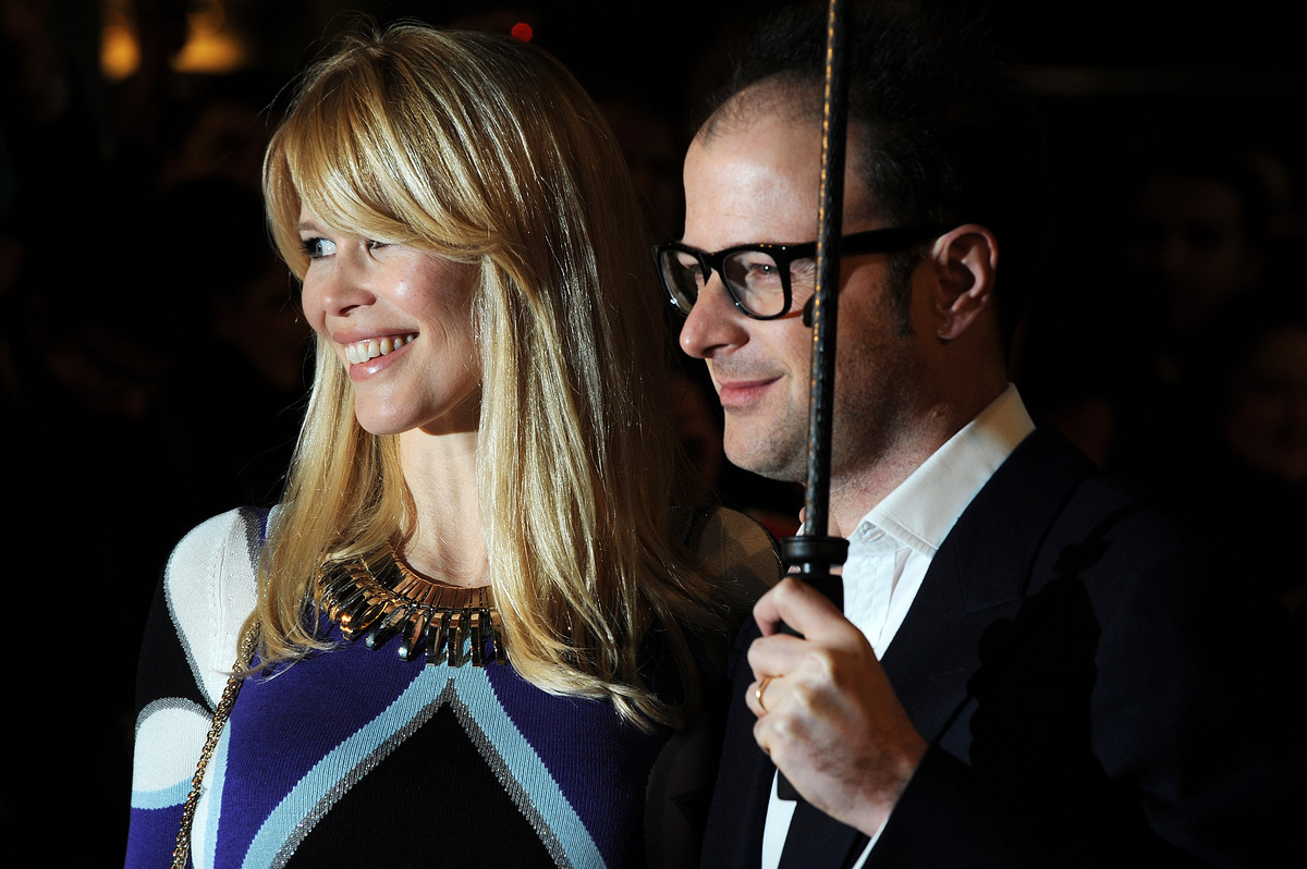 "German supermodel <a href=""http://edition.cnn.com/2002/SHOWBIZ/News/05/25/uk.claudia/"">Claudia Schiffer married</a> British f"