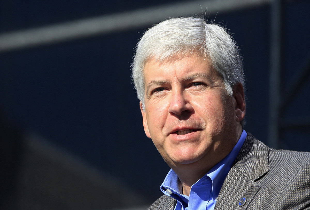 """Twitter users sounded off about Gov. Rick Snyder's<a href=""""http://www.huffingtonpost.com/2012/12/18/rick-snyder-approval-rati"""