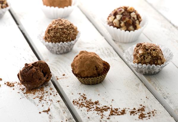 "<strong>Get the <a href=""http://steamykitchen.com/13940-nutella-chocolate-truffles-recipe.html"">Nutella Truffles recipe</a> b"