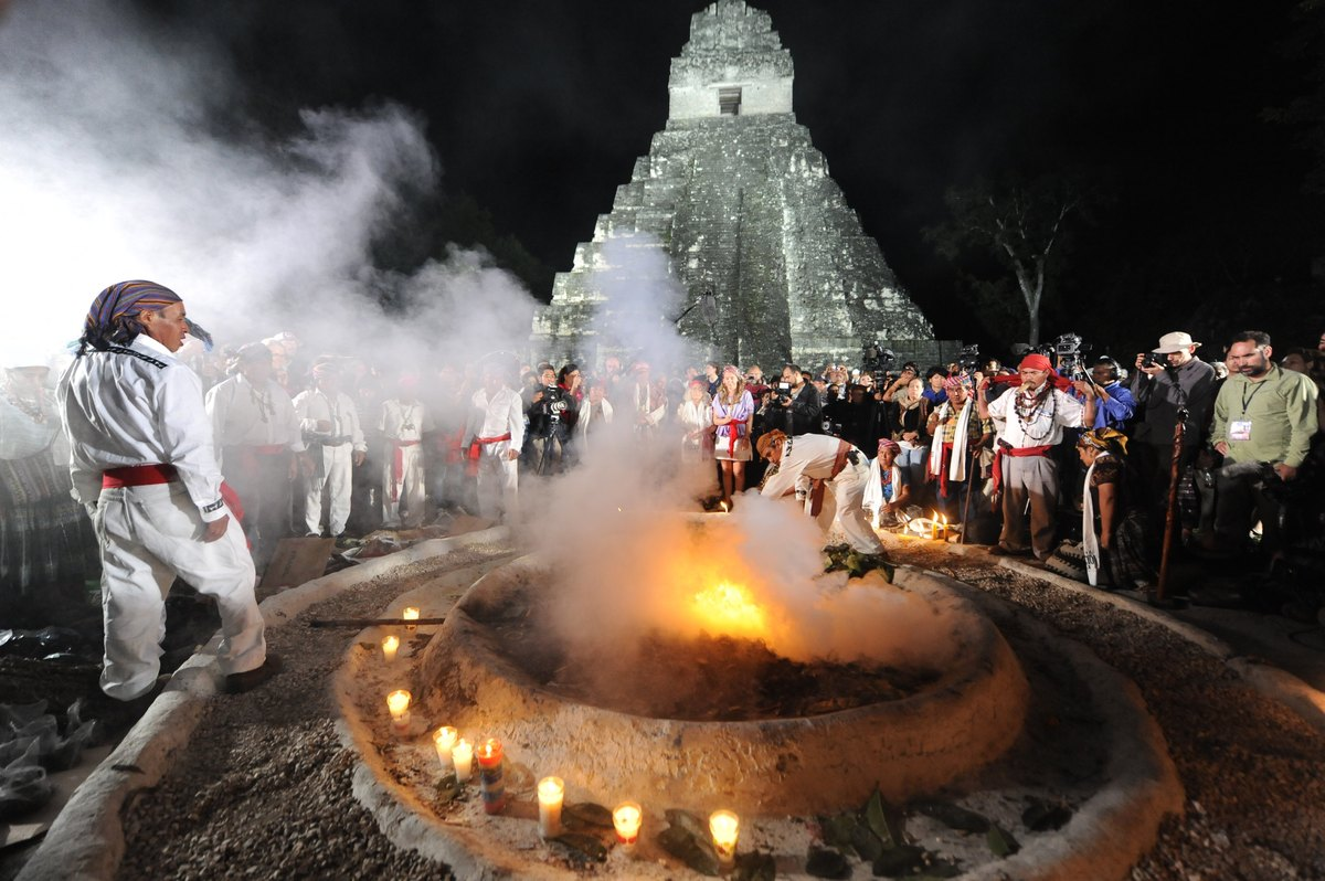 Mayan shamans take part in a ceremony on December 21, 2012, celebrating the end of the Mayan cycle known as Bak'tun 13 and th