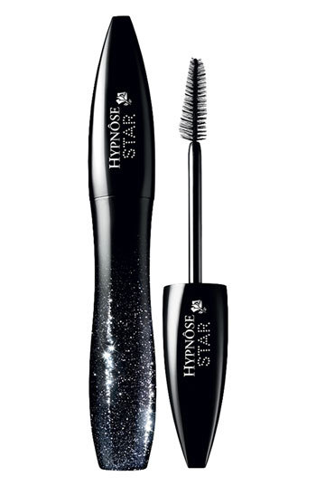 """The triangular and flat-sided brush shape helps to both coat smaller outer lashes and create a swooping effect.  <a href=""""htt"""