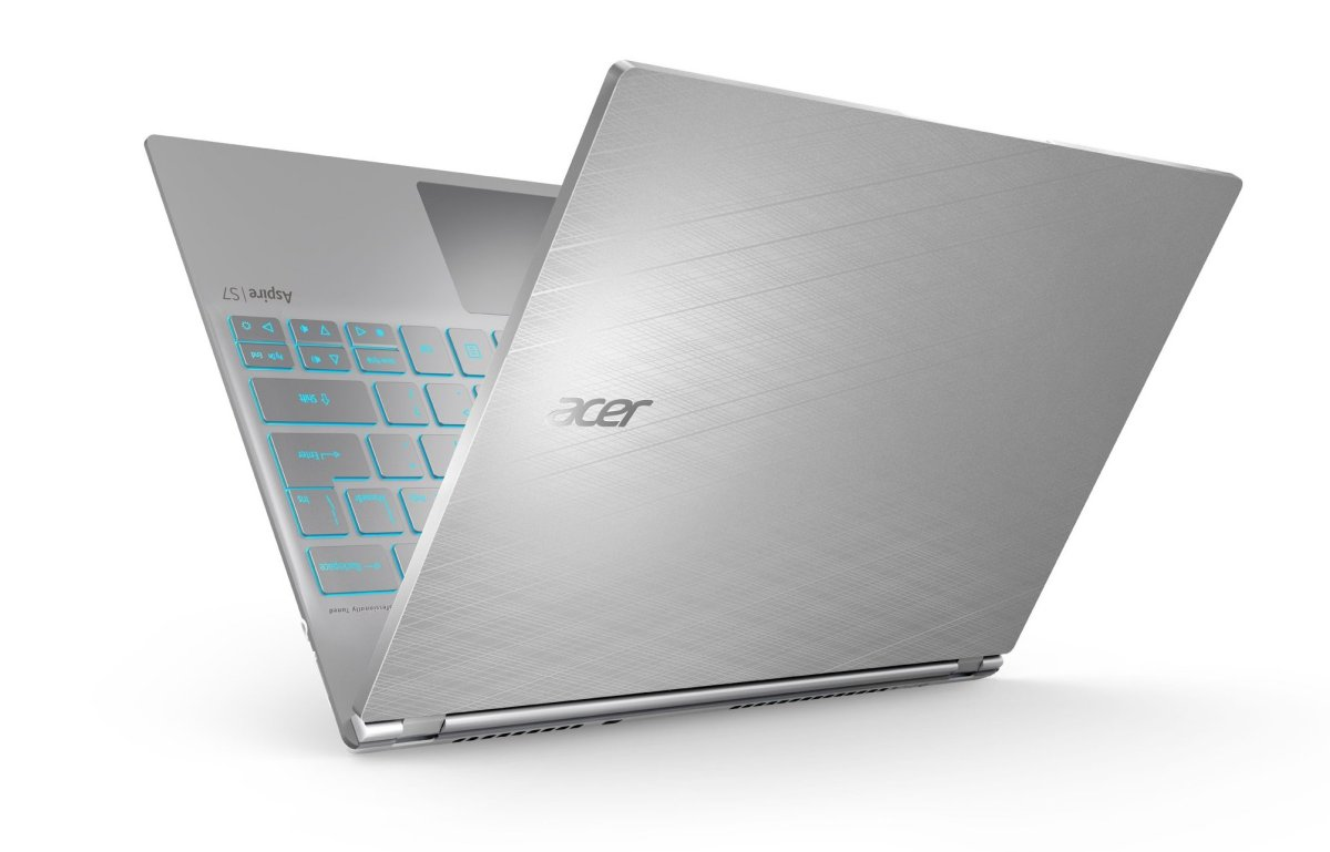 Acer S7 191 - 6859 Ultrabook is the best of a Tablet, Netbook and Notebook combined.