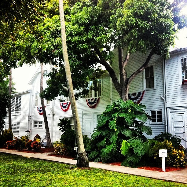 Our editor @astrzemien snapped a pic of The Little White House in Key West, a longtime vacation spot of US presidents. Obama,