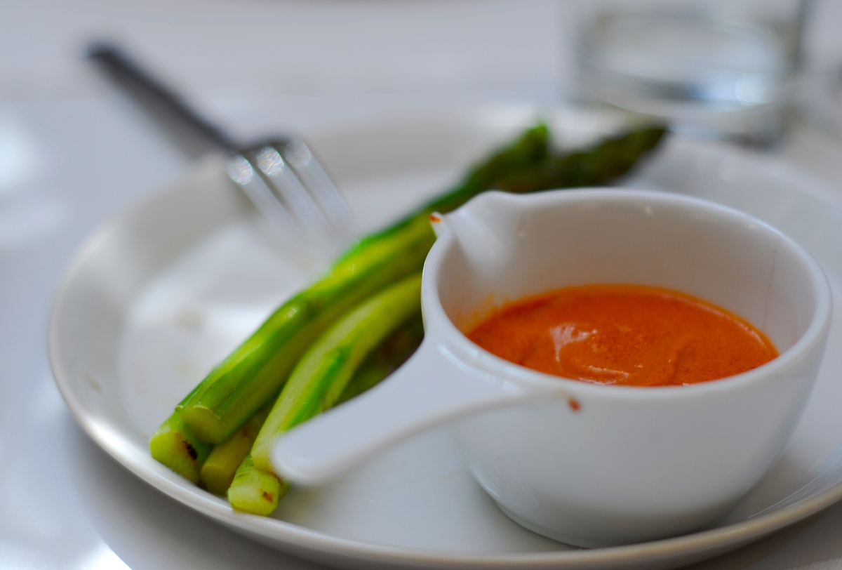 "The Journal of Food Science has revealed that <a href=""http://www.ift.org/newsroom/news-releases/2009/august/13/asparagus-ext"