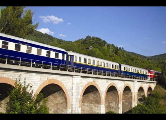 """The <a href=""""http://www.danube-express.com/"""" target=""""_hplink"""">Danube Express</a> specializes in train tours of Eastern Europe"""