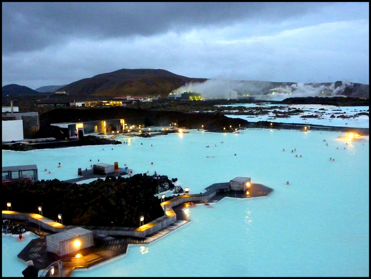 """The Blue Lagoon geothermal spa is one of <a href=""""http://www.huffingtonpost.com/elizabeth-thorp/8-reasons-why-visiting-icelan"""