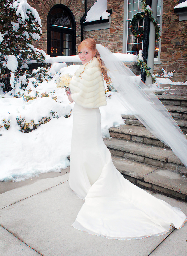 @XelaTWN: This was a wedding I shot on Dec. 28 in Ontario, Canada. The snow made it perfect!