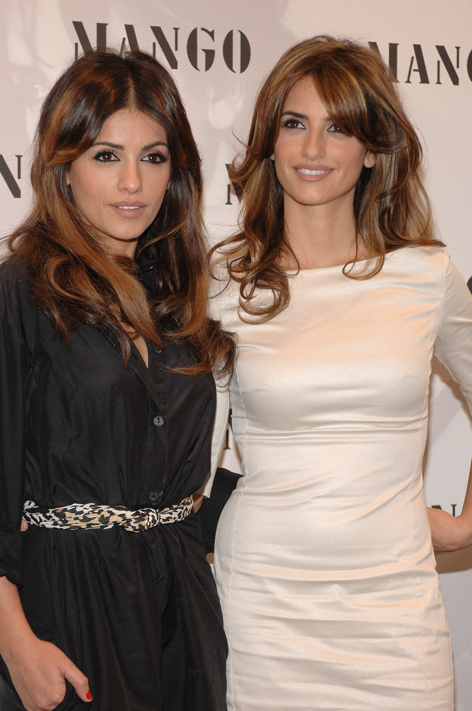 MADRID, SPAIN - MARCH 13:  Monica (L) and Penelope Cruz (R) present Spring/Summer Mango Exclusive Collection 'Penelope & Moni