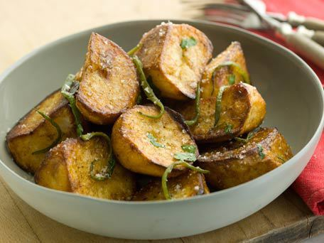 The most important thing when it comes to roasting potatoes is to give the potatoes space in the pan. Do not crowd the potato