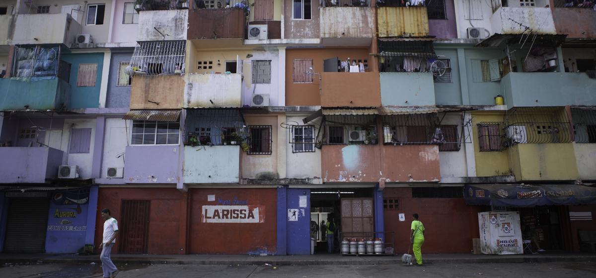 "The <a href=""http://latinflyer.com/panama/panama-citys-casco-antiguo-a-neighborhood-in-transition/"" target=""_hplink"">Casco An"