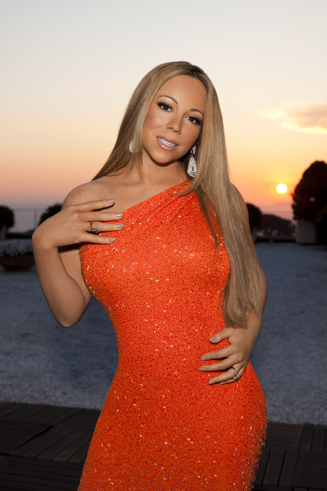 """Mariah struck a curious pose for her """"American Idol"""" promo photo last summer."""