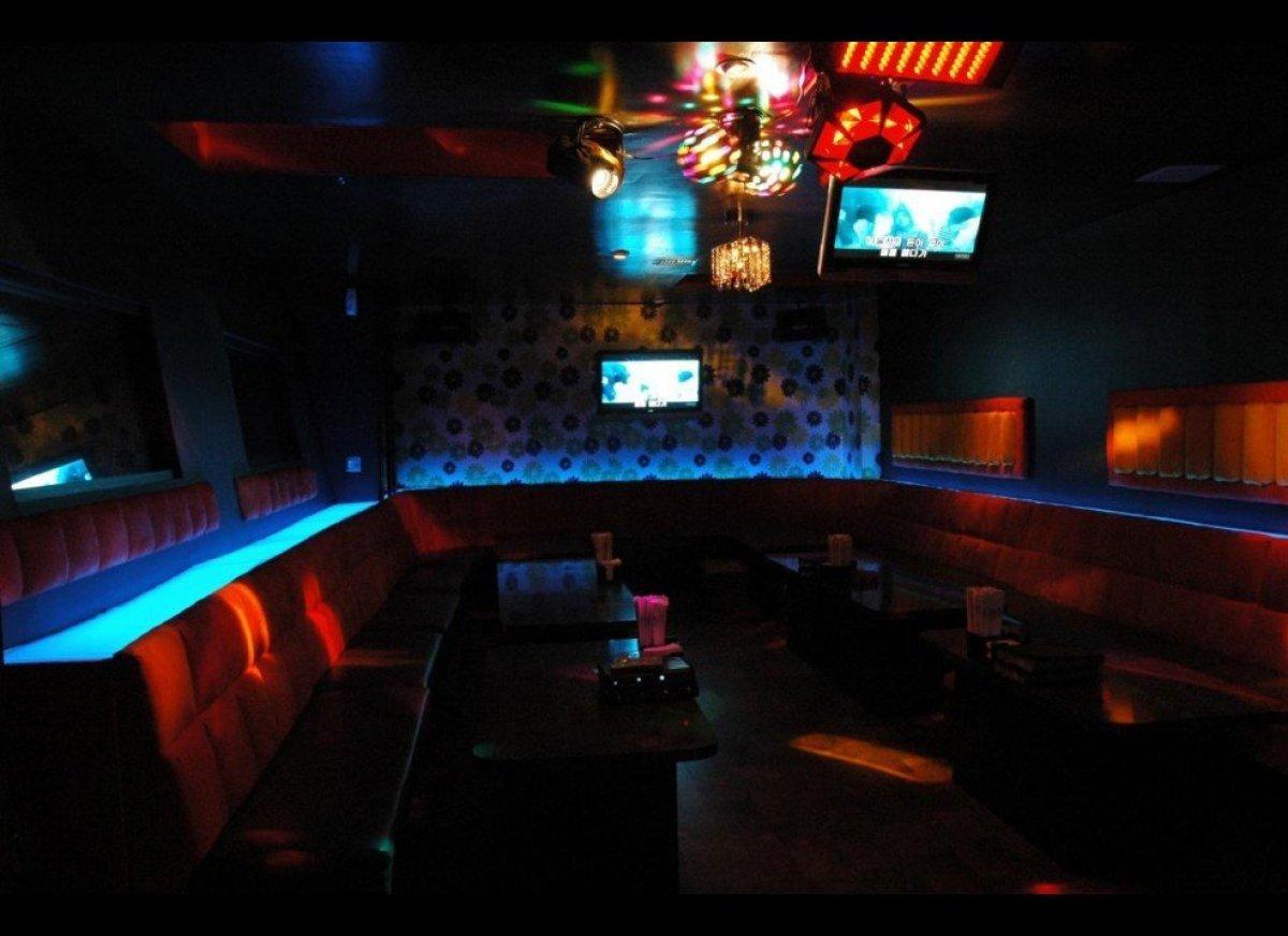 """<a href=""""http://www.travelandleisure.com/articles/americas-best-karaoke-bars"""" target=""""_hplink"""">See More of America's Best Kar"""