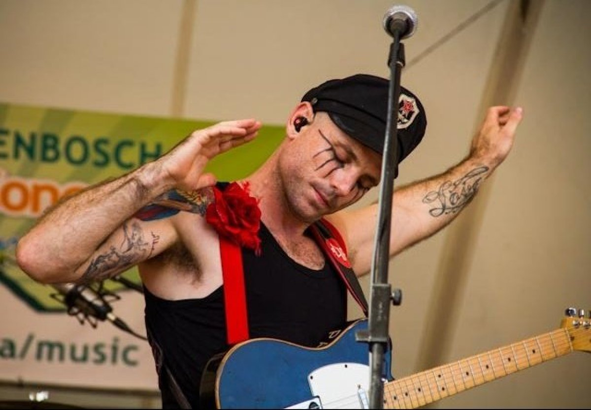 The Parlotones played their farewell South African show at Cape Town's famous Kirstenbosch Gardens before hopping a flight to