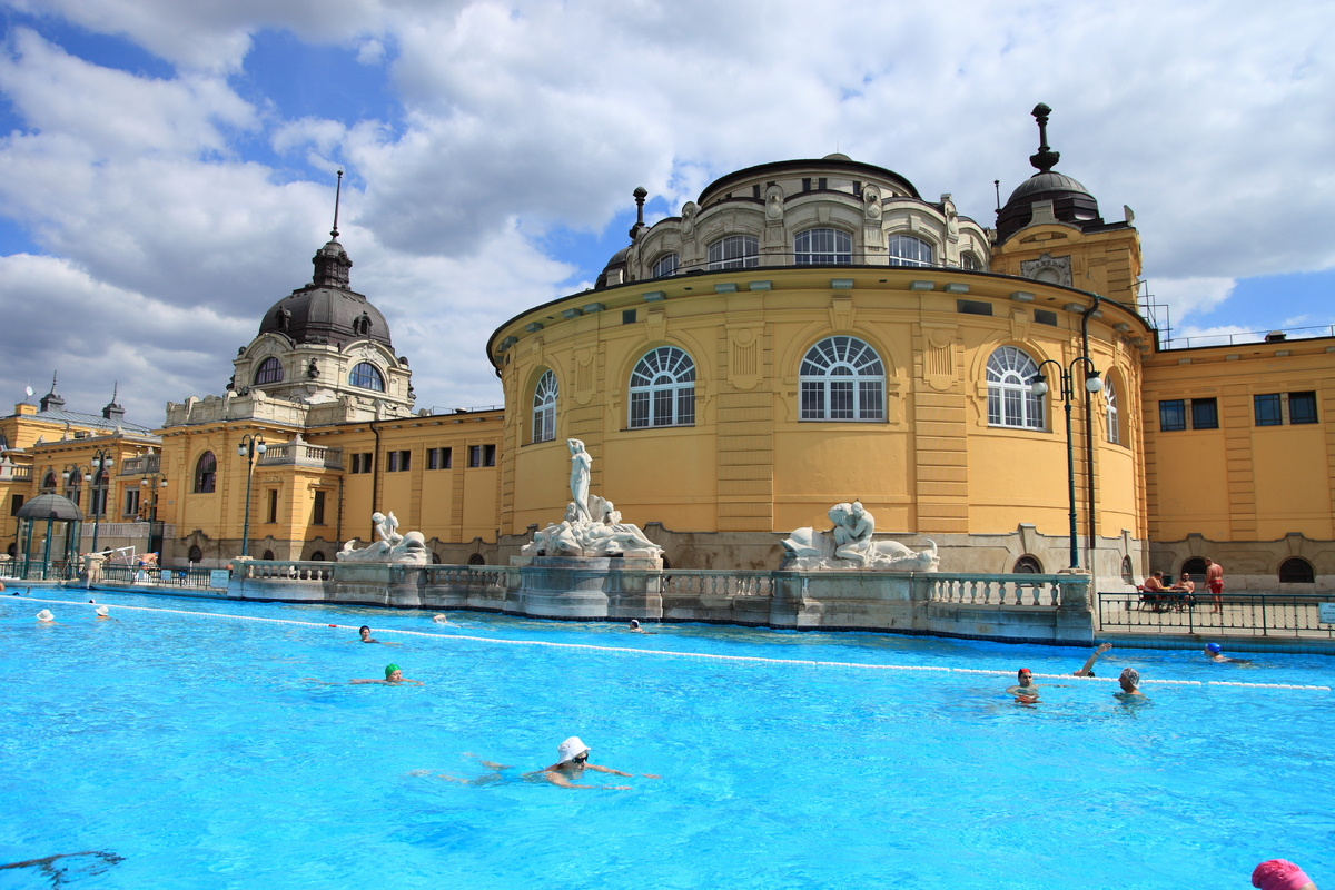 "According to the city's website, <a href=""http://www.budapest.com/recreation_wellness/budapest_thermal_baths.en.html"">Budapes"