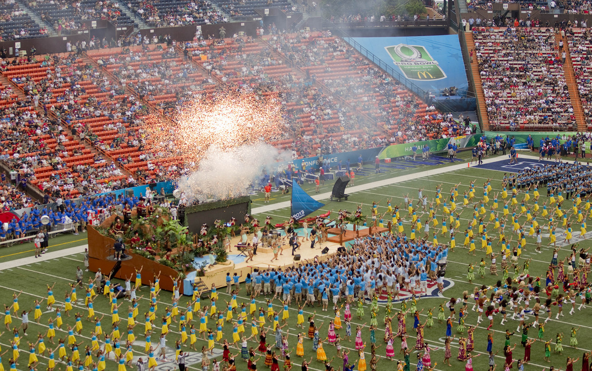 Train performs before the NFL Pro Bowl football game in Honolulu, Sunday, Jan. 27, 2013. (AP Photo/Eugene Tanner)