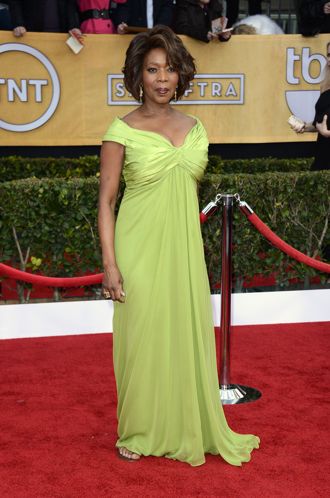 LOS ANGELES, CA - JANUARY 27:  Actress Alfre Woodard arrives at the 19th Annual Screen Actors Guild Awards held at The Shrine