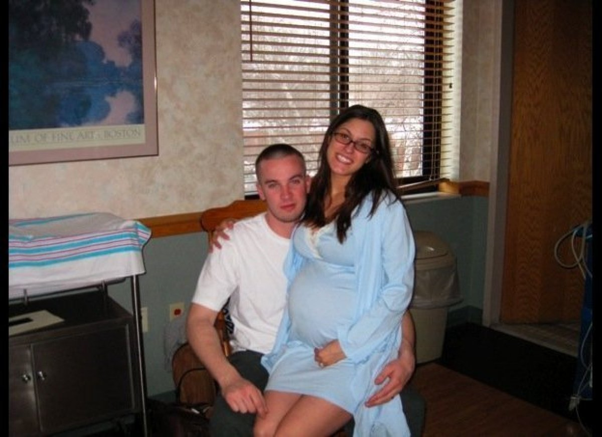 """I have less than 10 photos of me pregnant. I didn't record enough of my thoughts and feelings. <a href=""""http://www.earlymama."""