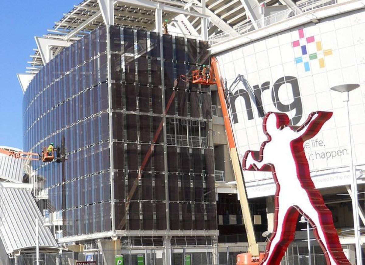 The FedEx Field in Landover, MD, home to the Washington Redskins, features more than 8,000 solar panels, which generates 2 me