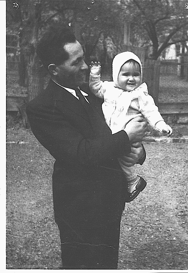 Marta Fuchs as a baby with her father, Morton (Miksa) Fuchs