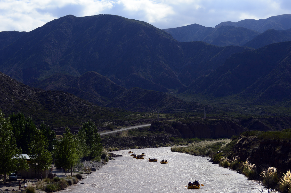Tourists paddle through the rapids in the muddy waters of the Mendoza river near Potrerillos, Argentina. (DANIEL GARCIA/AFP/G