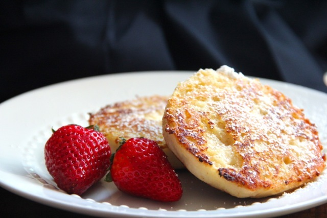 "<strong>Get the <a href=""http://www.alaskafromscratch.com/2012/05/24/english-muffin-french-toast/"">English Muffin French Toas"