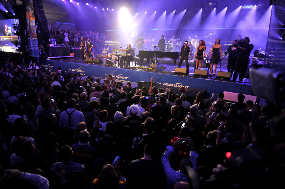 NEW ORLEANS, LA - FEBRUARY 02:  Musician Stevie Wonder performs onstage at Bud Light Presents Stevie Wonder and Gary Clark Jr