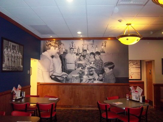 Friendly's, which hired a former Panera executive to help spruce up the brand, is planning to renovate 30 locations this year
