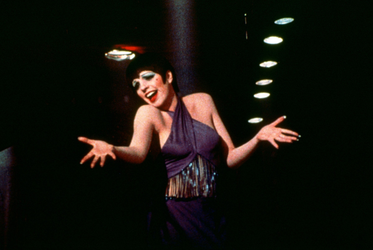 "This 1972 photo released by Warner Bros. Home Video shows Liza Minnelli as Sally Bowles in a scene from ""Cabaret."" The landma"