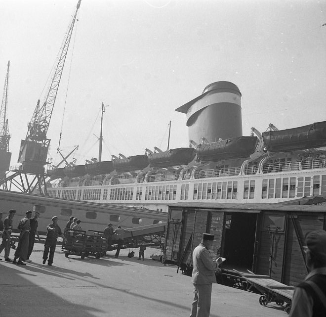 The S.S. America docked a Le Havre in 1952. The boat had been refurbished after the war.