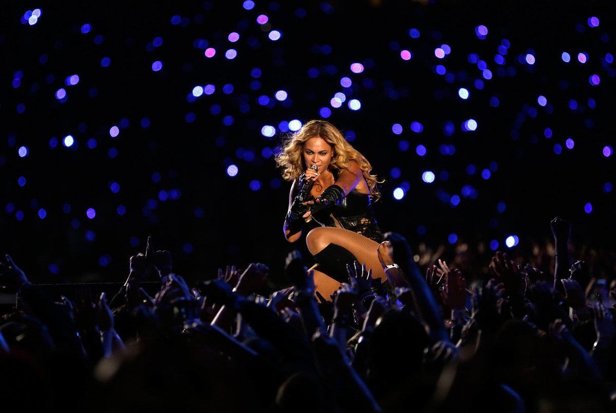 NEW ORLEANS, LA - FEBRUARY 03:  Singer Beyonce performs during the Pepsi Super Bowl XLVII Halftime Show at the Mercedes-Benz