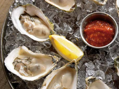 "<strong>Get the <a href=""http://www.huffingtonpost.com/2011/10/27/ldquonuderdquo-raw-oy_n_1061367.html"">""Nude"" Raw Oysters wi"