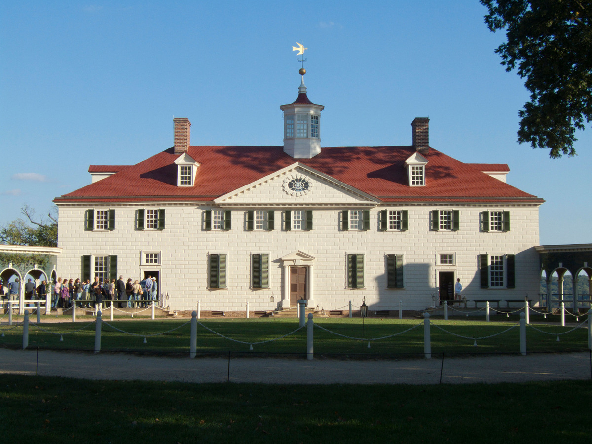 Located just south of D.C. sits the home of America's first president, George Washington. Situated along the Potomac, this <a