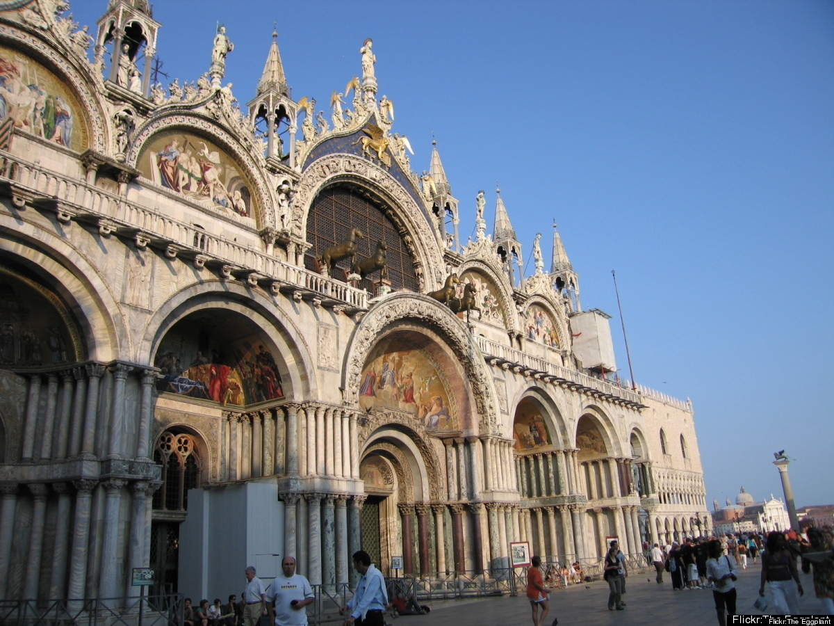 "<a href=""http://www.historvius.com/saint-mark-aeos-basilica-114/"" target=""_hplink"">Saint Mark's Basilica</a> is about as uniq"