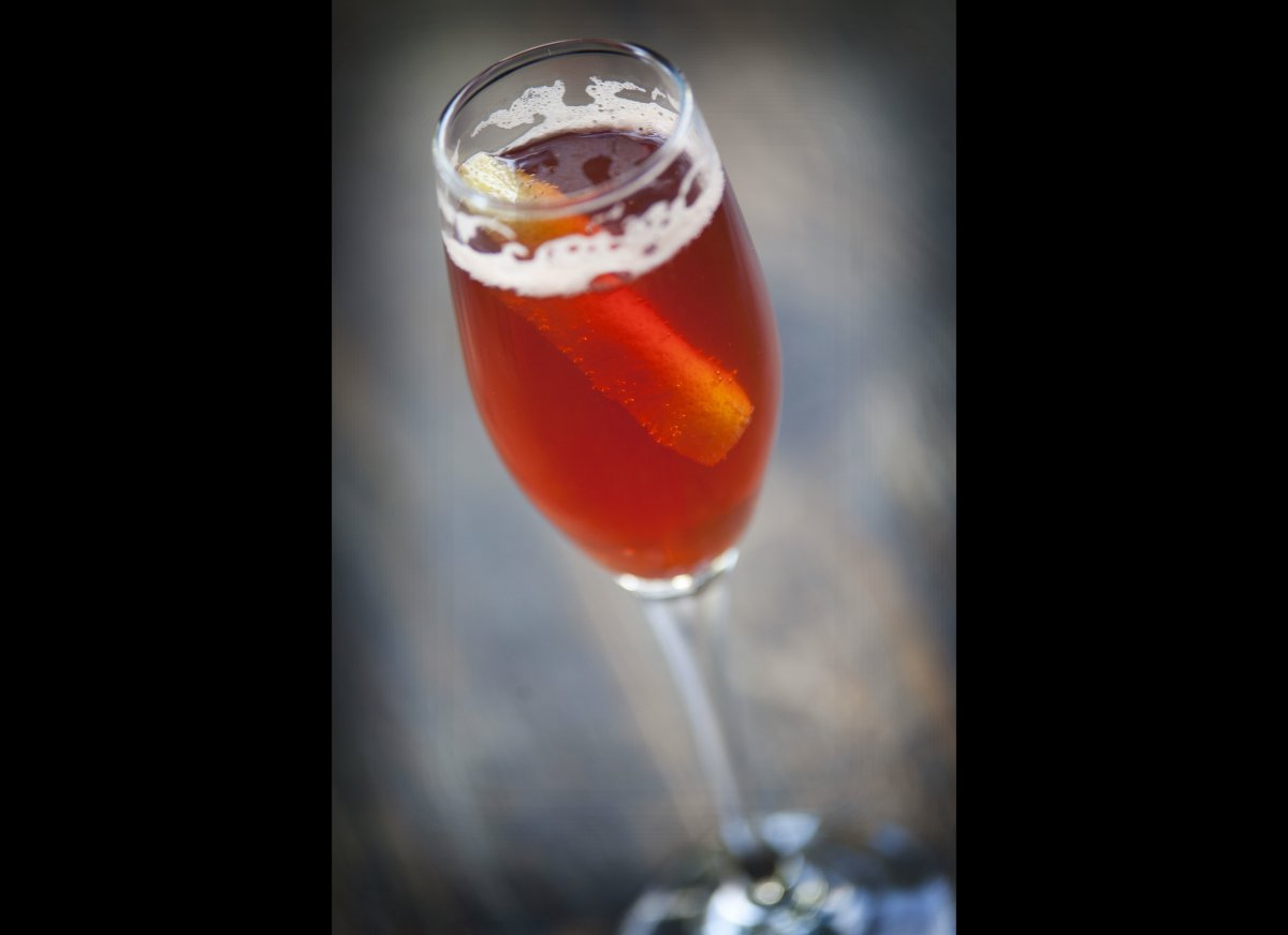 """<strong><a href=""""http://www.imbibemagazine.com/Veronica-Rose-Recipe"""" target=""""_hplink"""">Veronica Rose</a></strong> Forget the"""