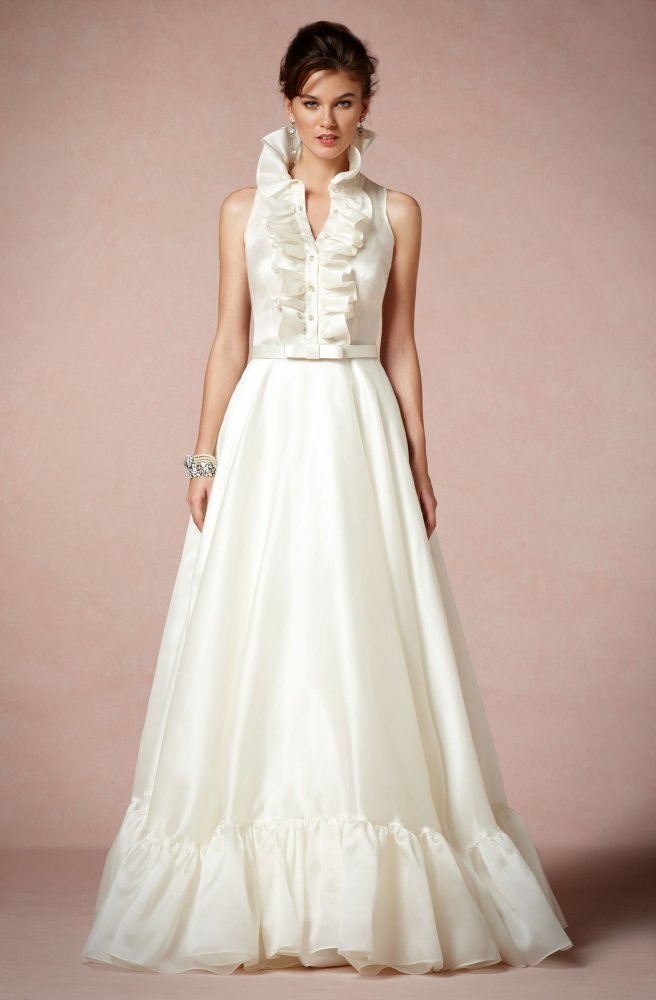 Gorgeous high neck wedding gowns photos huffpost for High collared wedding dress