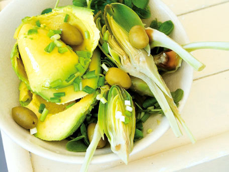 "<strong>Get the <a href=""http://www.huffingtonpost.com/2011/10/27/avocado-and-artichoke-sal_n_1057555.html"">Avocado and Artic"