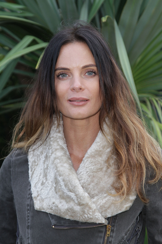 MIAMI BEACH, FL - JANUARY 24: Gabrielle Anwar poses backstage after a panel discussion regarding USA Network's 'Burn Notice'