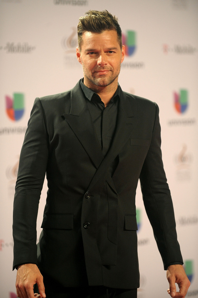 MIAMI, FL - FEBRUARY 21:  Ricky Martin arrives at the 25th Anniversary Of Univision's 'Premio Lo Nuestro A La Musica Latina'