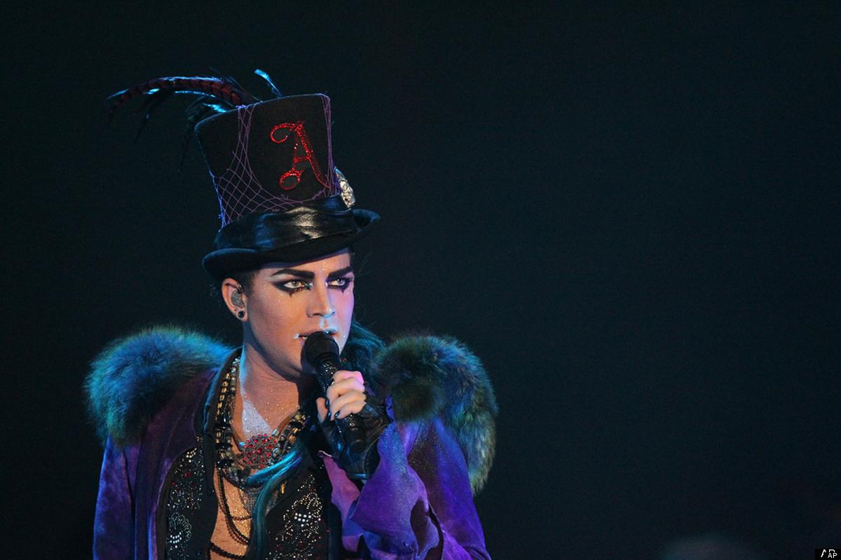 Adam Lambert loves eyeliner.  <em>Photo: AP Photo/Sony Music Malaysia</em>