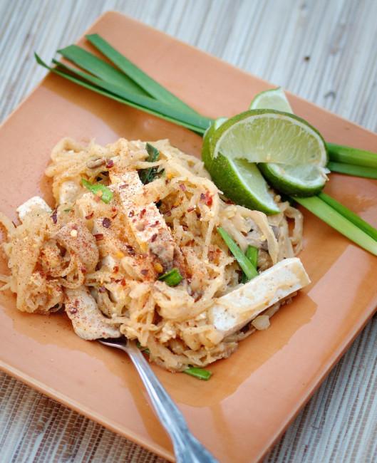 """<strong>Get the <a href=""""http://nonaseyes.wordpress.com/2012/04/12/green-papaya-pad-thai-vegetarian/"""">Green Papaya Pad Thai r"""