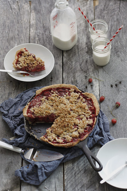 "<strong>Get the <a href=""http://alwayswithbutter.blogspot.ca/2011/09/strawberry-skillet-pie.html"">Strawberry Skillet Pie reci"