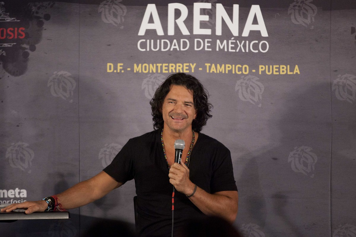 Singer Ricardo Arjona, from Guatemala, speaks during a press conference in Mexico City, Wednesday, Oct. 17, 2012. Arjona will