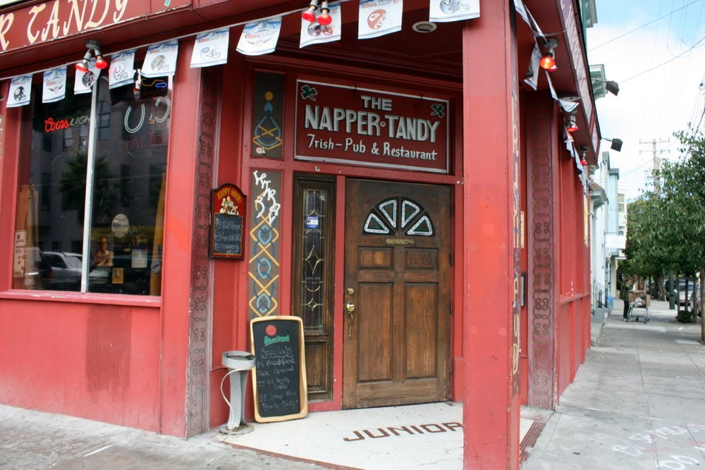 The Napper Tandy sits in the heart of San Francisco's hip/seedy/Mexican/yuppy Mission District. The food is surprisingly good